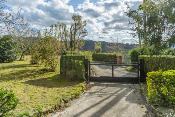 Vendo villa con tierras ref25-41