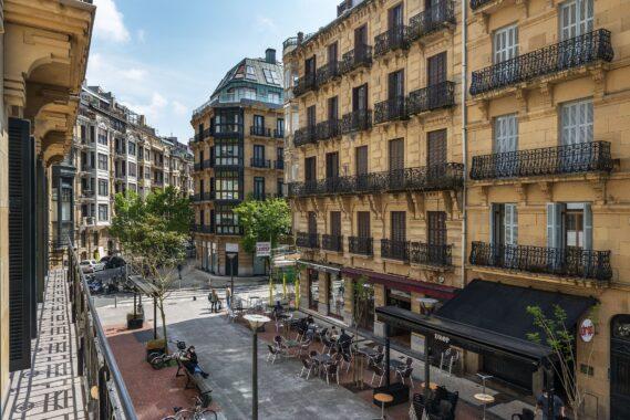 Piso en el centro Donostia edificio hormigon – 2